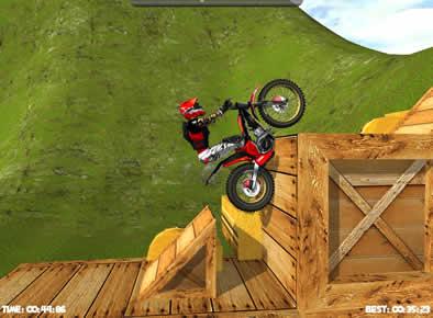 https://www.jeux.fr/jeux/course-en-moto